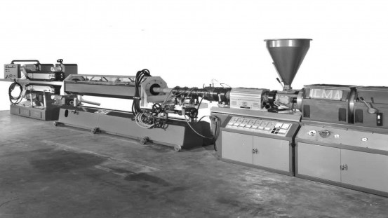 Twin-screw extrusion lines of the 70's; source Icma's Historical archive.