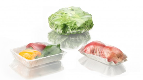BASF and Fabbri Group have developed a sustainable solution for cling film used in fresh-food packaging: Based on BASF's certified compostable ecovio®, Fabbri Group produces the highly transparent stretch film Nature Fresh. Meat, seafood as well as fruit and vegetables can be wrapped manually or with automatic packaging equipment. It is the first certified compostable cling film that combines optimal breathability for an extended shelf life of fresh food with high transparency and excellent mechanical prope
