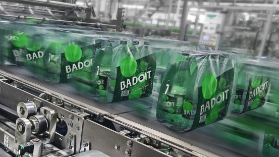 With its shrink packer Badoit can process films of a significantly reduced thickness. The machine also uses an optimum width of film per pack.