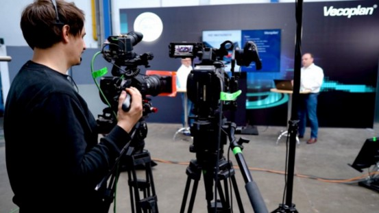 Sophisticated technology and well-prepared presentations ensured exciting live broadcasts from the Vecoplan Technology Centre.