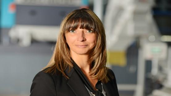 """Martina Schmidt, kierowniczka obszaru recyklingu i odpadów w Vecoplan AG: """"Dzięki różnym konfiguracjom nasze rozdrabniacze radzą sobie z rozdrabnianiem prawie wszystkich materiałów""""."""