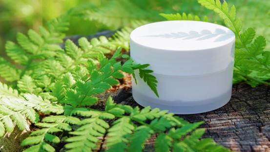Przykład zastosowania ekologicznego opakowania kosmetyków.