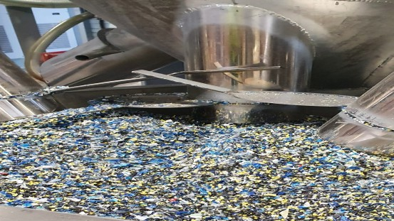 The recycling of plastics helps to significantly reduce waste (Picture credits: Aurora Kunststoffe GmbH).
